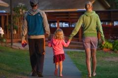 family-walk-0017-1600x-sqshd