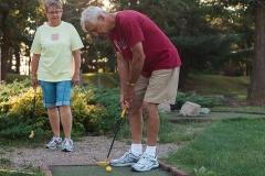 mini-golf-couple-0774-1600x-sqshd